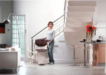 le monte escalier un quipement s adaptant tous les escaliers. Black Bedroom Furniture Sets. Home Design Ideas